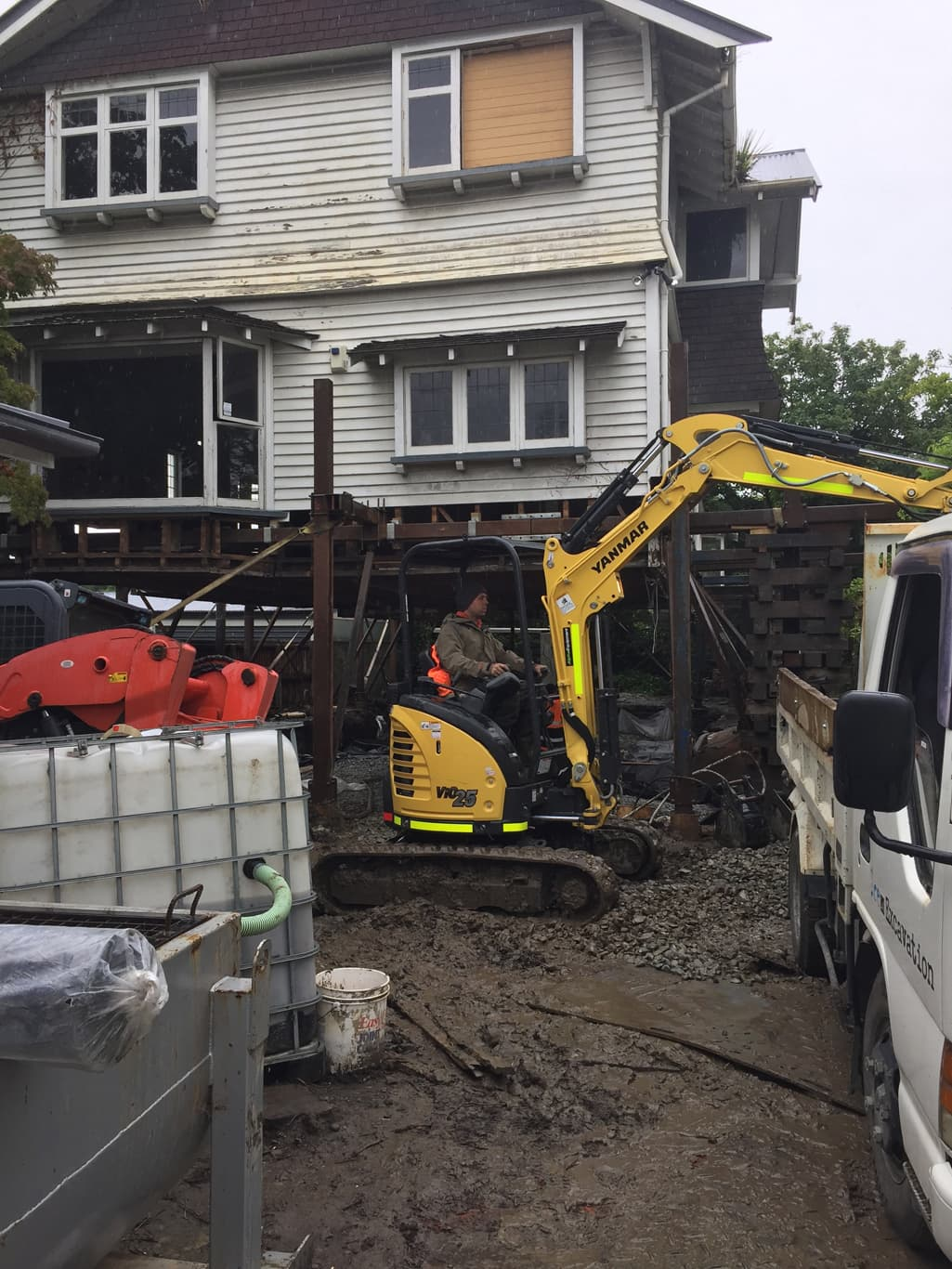Canterbury house lifting service from Heritage House Relevellers